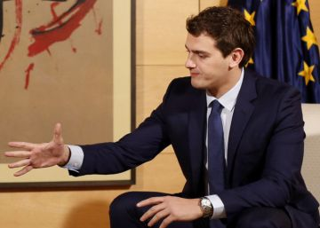 PSOE negotiating deal with leftist parties and Ciudadanos in parallel