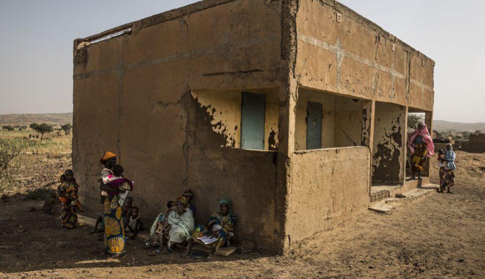 FOTOGALERÍA: En Kwoe se vacuna todos los días. No hace falta ir a buscar a los niños ya que ellos mismos acuden al centro de salud.