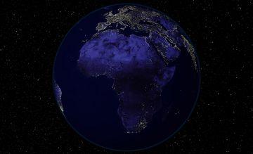 Fotografía nocturna de África desde el espacio.
