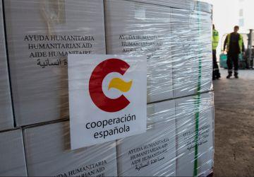 Envío de ayuda humanitaria a Nepal.