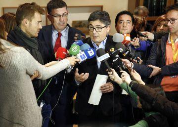 """Camps graba a un periodista de la SER: """"Te pido que me digas tu fuente"""""""