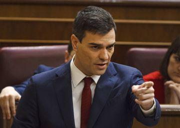 No es el beso de Pablo Iglesias y Domènech: es la cara de estupor de los que ven el beso