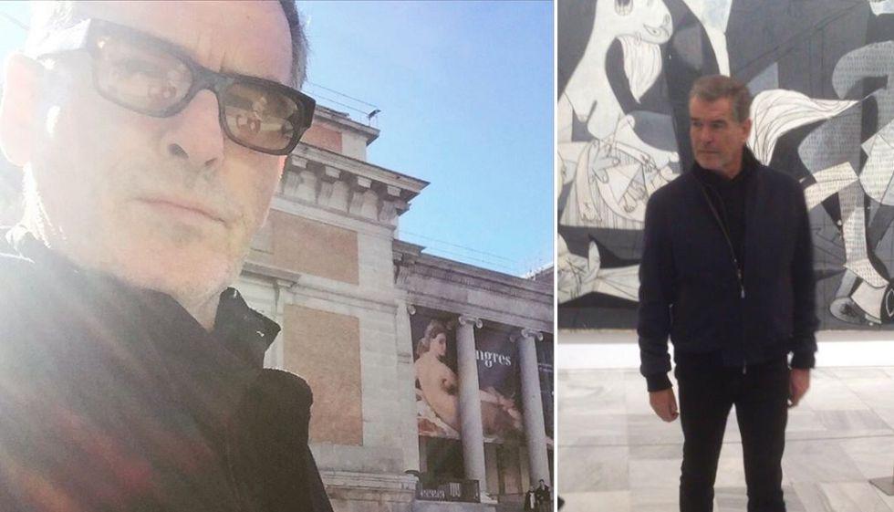 El actor Pierce Brosnan en el museo del Prado y, a la derecha, frente al 'Guernica' en el Reina Sofía.