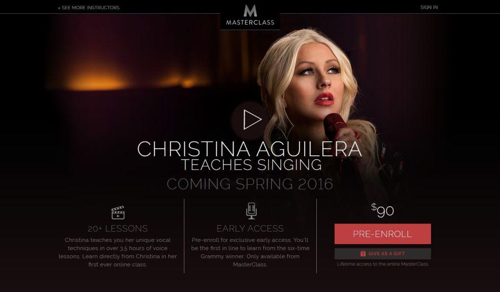 Fotograma del anuncio de Masterclass que publicita la clase de canto que imparte Christina Aguilera.