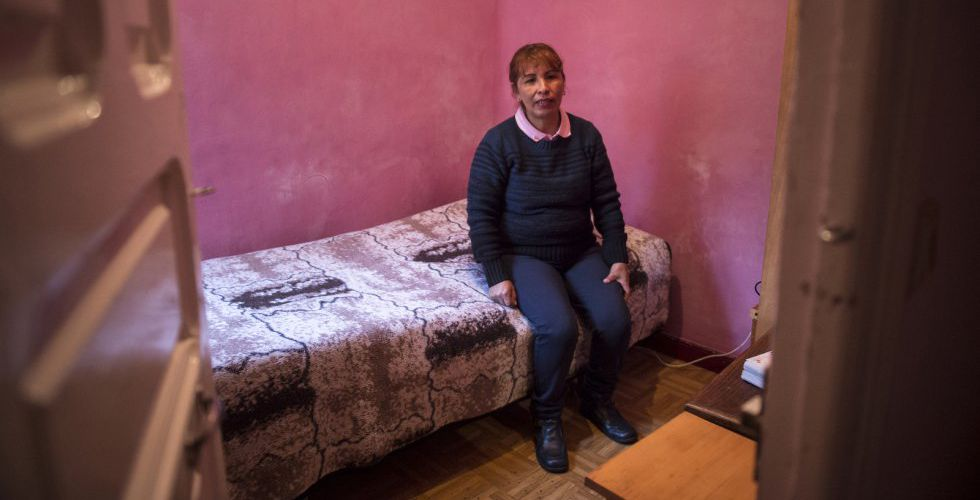 Elisabeth López emigró a España desde Bolivia en busca de un trabajo que le permitiera sostener a sus cinco hijos.