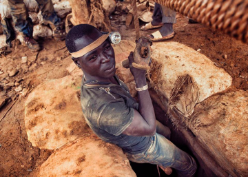 Suiza refina oro extraído por niños en Burkina Faso