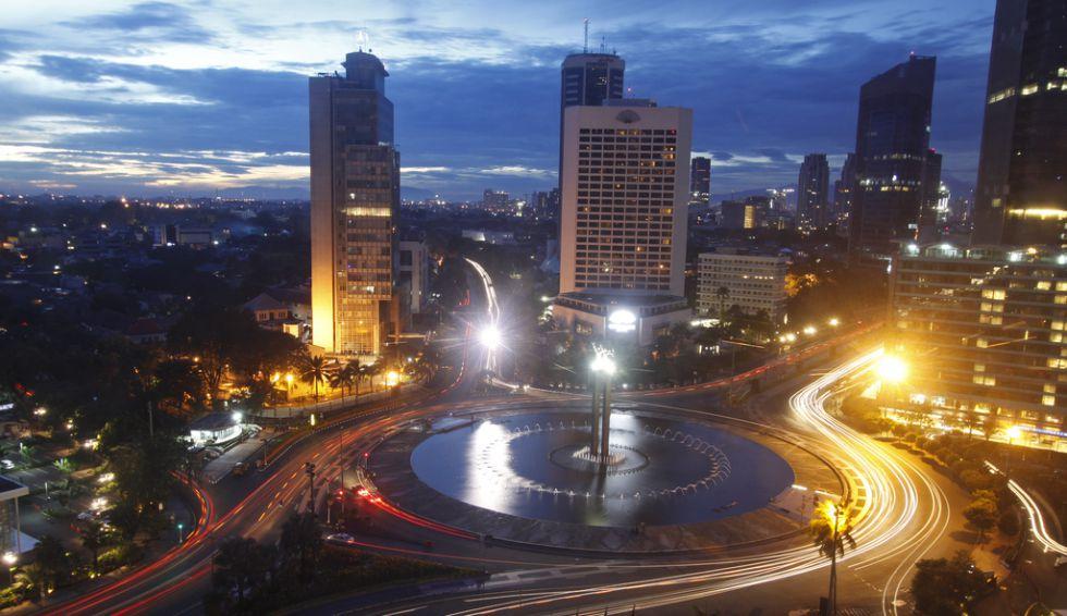 Puesta de sol en Yakarta (Indonesia).
