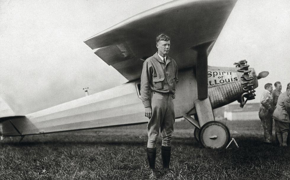 Charles Lindbergh, quien en 1927, un año después de la odisea del Plus Ultra, se convirtió en el primer piloto en cruzar en solitario el Atlántico.