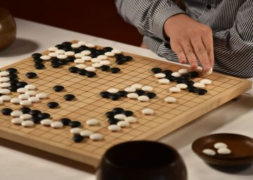 La inteligencia artificial gana el primer asalto al campeón de Go