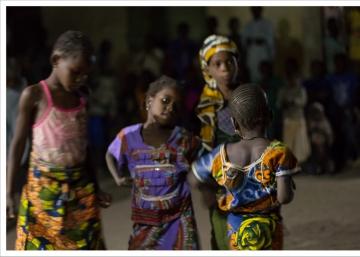 Teatro para educar en el Malí rural