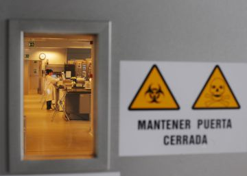 La UE suspende su ayuda de 1,8 millones a la científica española despedida