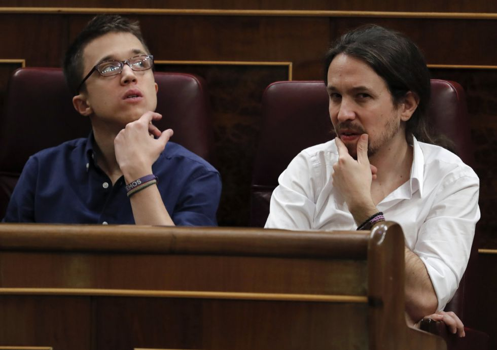 Iñigo Errejón (left) and Pablo Iglesias have denied any internal rift within their party, Podemos.