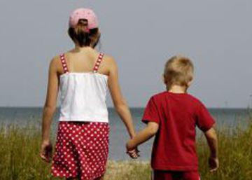 Los hermanos mayores se creen más listos, y lo son