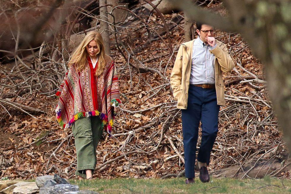 Miley Cyrus junto a su compañero de reparto, John Magaro, en el rodaje de la comedia en Nueva York.