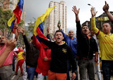 Una protesta de taxistas contra Uber se torna violenta en Bogotá