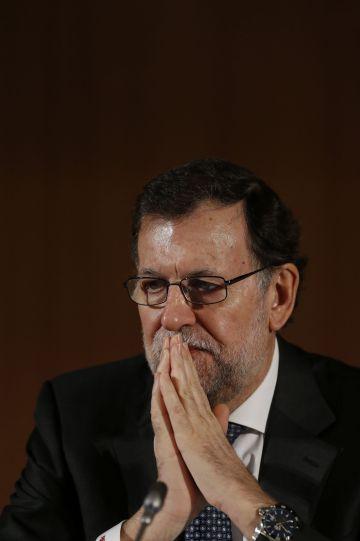 Un gesto del presidente en funciones, Mariano Rajoy, durante un acto público celebrado el 17 de marzo en Aranjuez (Madrid).