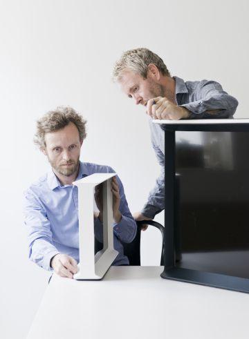 Los diseñadores franceses Ronan y Erwan Bouroullec.