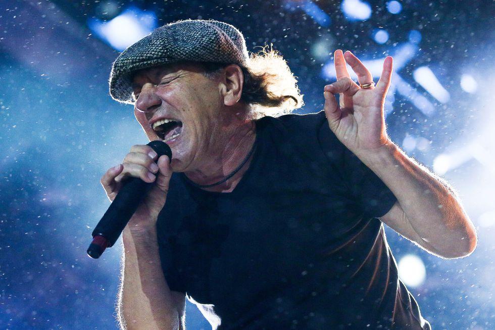 Brian Johnson, voz de ACDC, se desgañita en un concierto en Nueva Zelanda, en diciembre de 2015.
