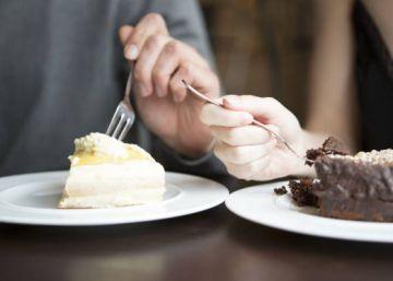 La OMS recomienda no consumir más de 12 cucharillas de azúcar al día