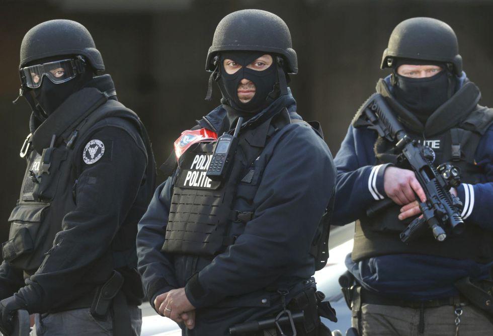 Despliegue policial en Bruselas tras los atentados del 22 de marzo.