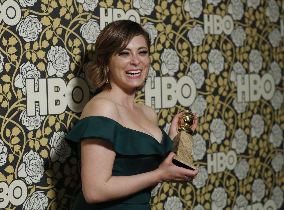 Rachel Bloom, tras ganar el Globo de Oro como mejor actriz de serie de televisión por su papel en la serie 'Crazy Ex-girlfriend', el pasado mes de enero.