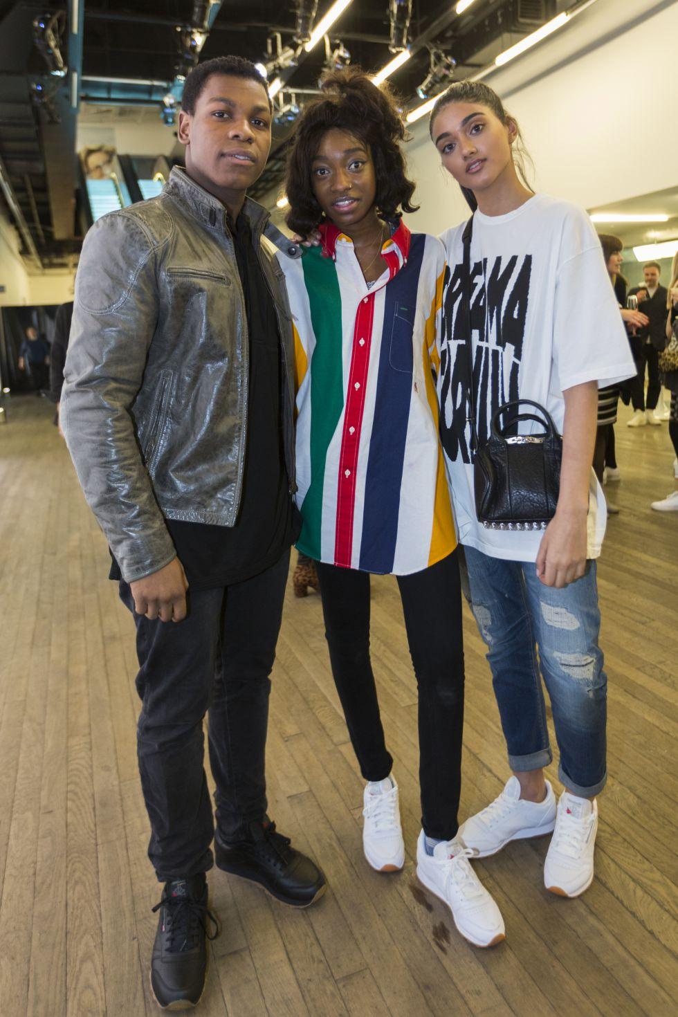 El actor John Boyega, la rapera Little Simz y la modelo Neelam Gill en el acto de Reebok Classic Leather.