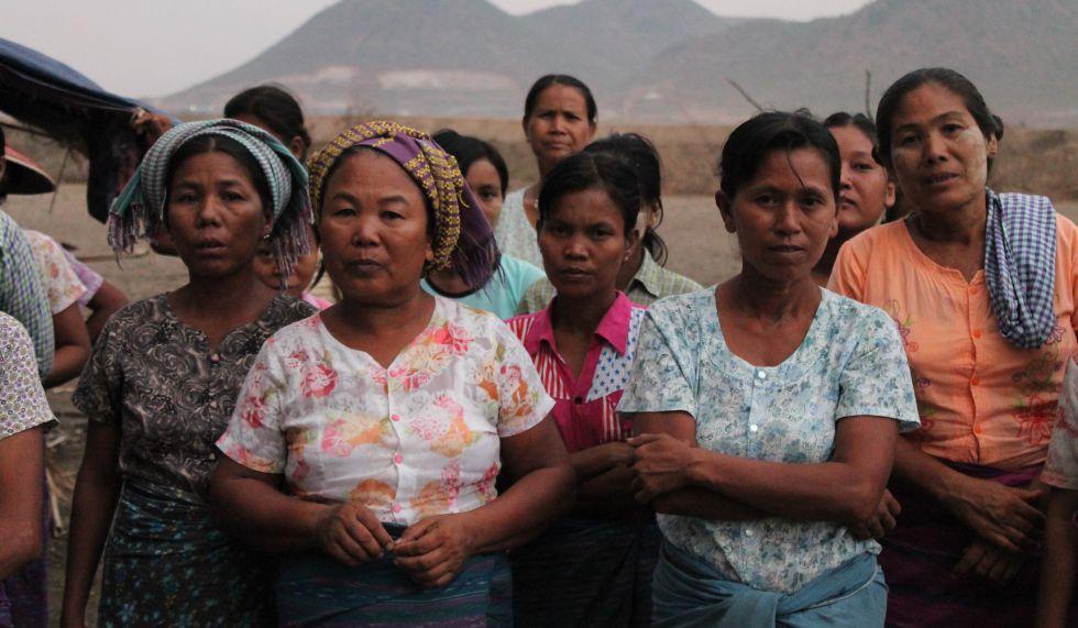 En la aldea de la gran muralla son las mujeres las que han decidido no rendirse y pelear por sus tierras.