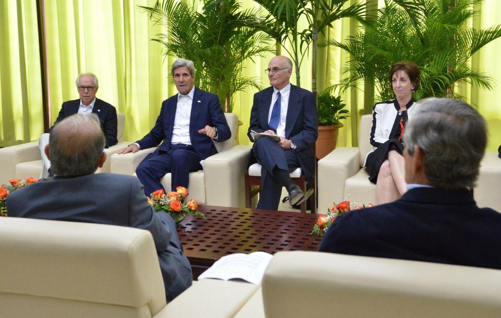 John Kerry, durante la reunión con los negociadores del proceso de paz en Colombia, el día 21.
