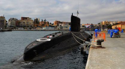El submarino ruso 'Novorossiysk', atracado en Ceuta en agosto.