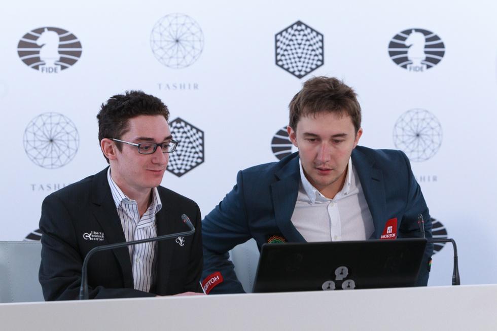 Caruana y Kariakin, juntos durante la conferencia de prensa