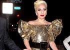 Lady Gaga cumple 30 años vestida de regalo y otros disfraces de la diva