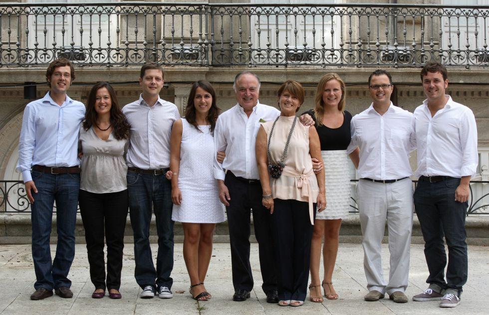 Marcos, María, Mateo, Nazareth, Federico (padre), Georgina (madre), Georgina, Federico y Lucas, en la actualidad.