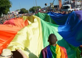 'Quiérete Mucho, Maricón', el manual definitivo del hombre gay