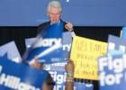 Bill Clinton se enzarza con defensores de los afroamericanos
