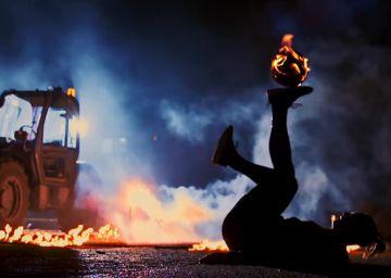 La belleza del fútbol en llamas