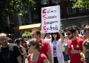 Castigos y bajadas de sueldo a científicos por exigir contratos indefinidos