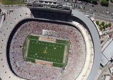 Cómo aterrizar en un estadio lleno de gente, visto por un marine
