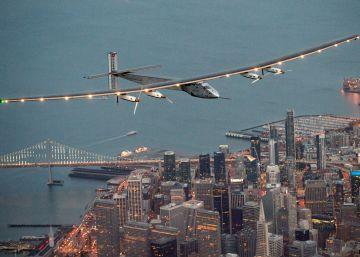 El Solar Impulse II aterriza en San Francisco tras atravesar el Pacífico