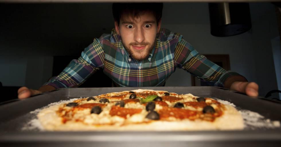 ¿Amasar con rodillo? 17 barbaridades al hacer pizza en casa