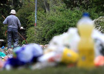 Resaca de basura en la Complutense tras San Cemento