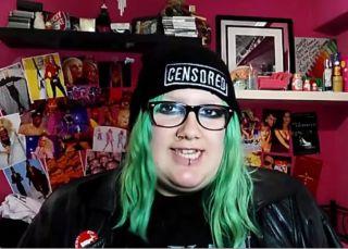 'Soy una pringada': el desafío de ser una anti 'youtuber'