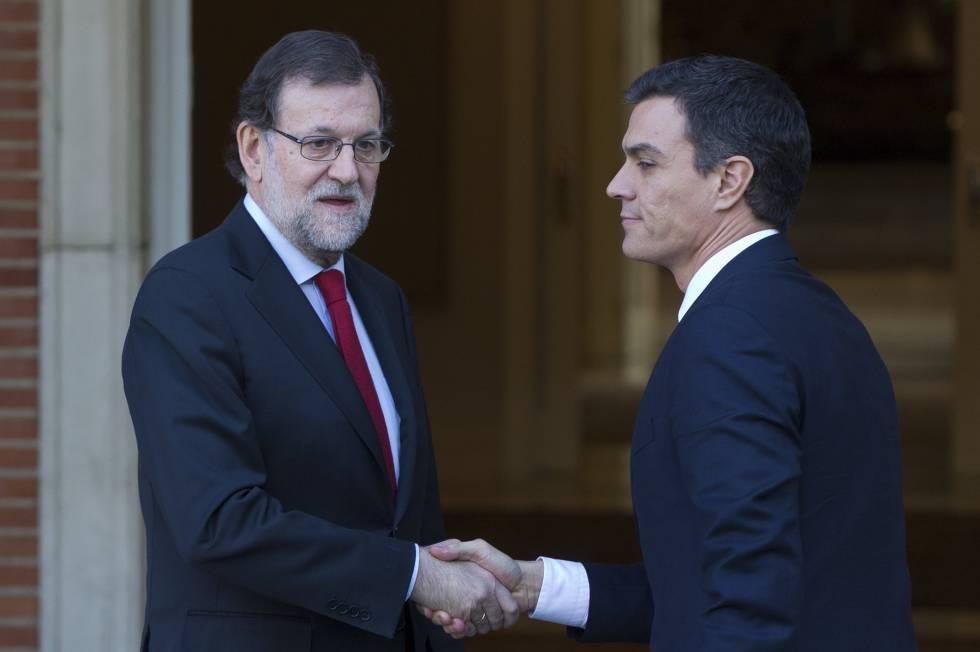 Mariano Rajoy y Pedro Sánchez el 23 de diciembre de 21015, tres días después de las elecciones del 20-D.