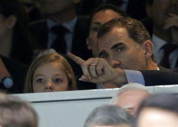 El Rey con la infanta Sofía, en el partido entre Real Madrid y Manchester City.