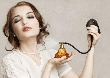 Usar siempre el mismo perfume es una patada a su inteligencia
