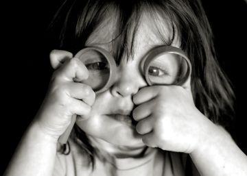 Si el niño tuerce un ojo, ve al oftalmólogo