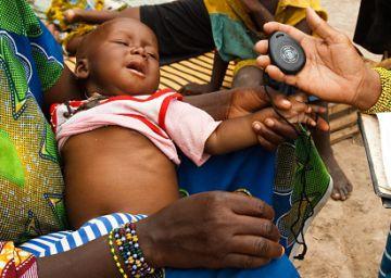 Un contador de respiraciones para salvar vidas de niños con neumonía