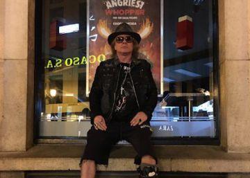 ¿Es un montaje la foto de Axl Rose en un Burger King de Sevilla?