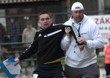 Expulsan a un árbitro checo por ir ebrio durante un partido