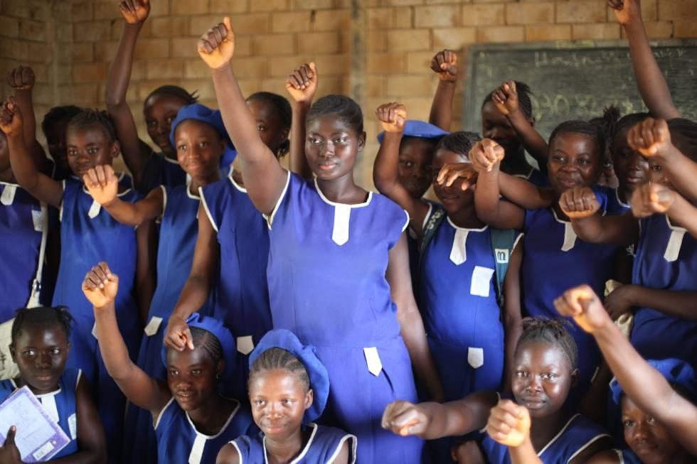 Christiana y sus compañeras del Grupo de Niñas de Moyamba en Sierra Leona.