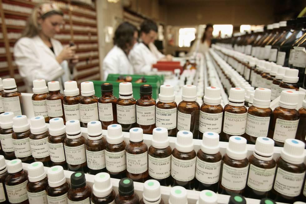 Farmacia en la que se vende homeopatía en Londres.